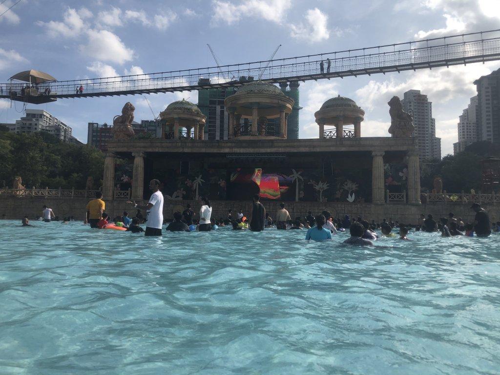 サンウェイラグーン プール