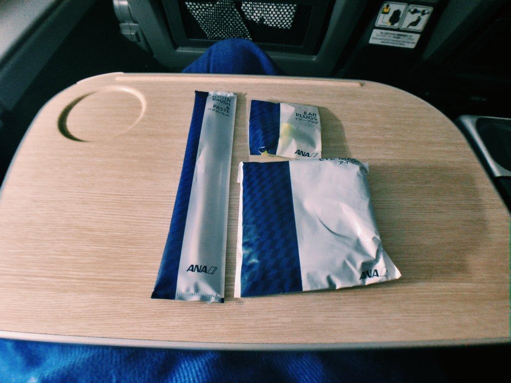 ANA A380プレミアムエコノミー アメニティ