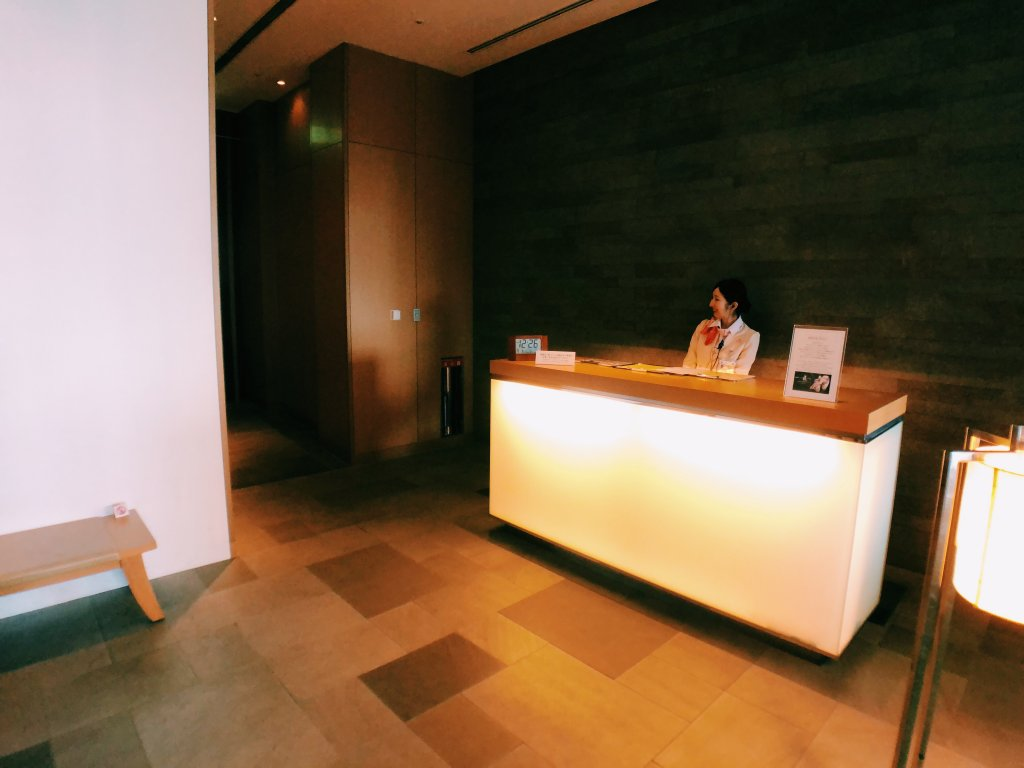 成田JALサクララウンジシャワールーム