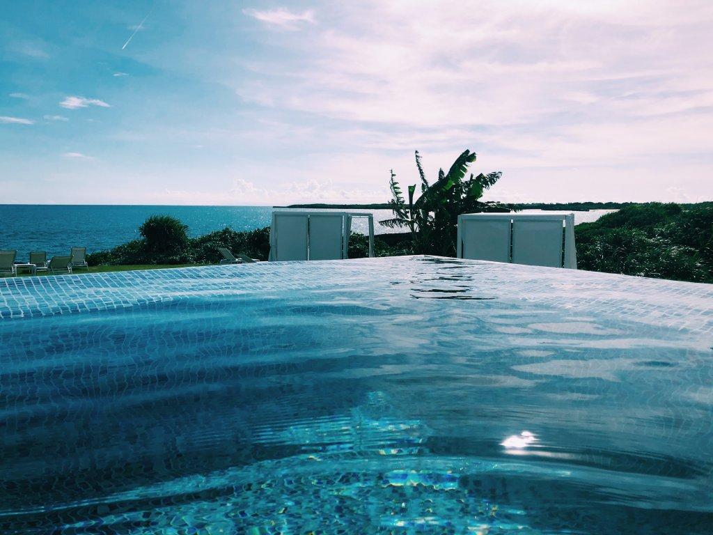 イラフSUIラグジュアリーコレクションホテル沖縄宮古のプール