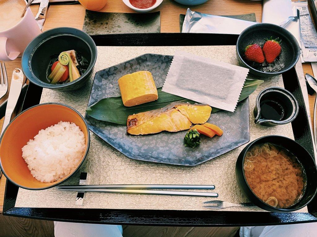 W大阪朝食
